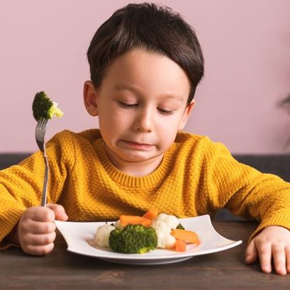 3_Child-is-very-unhappy-with-having-to-eat-vegetables